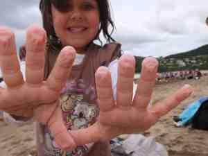 ALIX'S HANDS