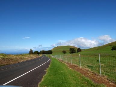 Au fond, derrière le mont: Maui, une autre île