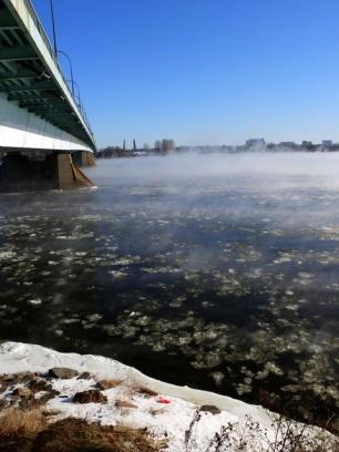 -25°C: l'eau fume, la glace passe..