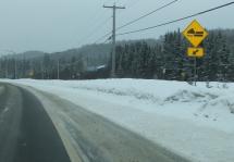 Attention, traversée de Ski-doo